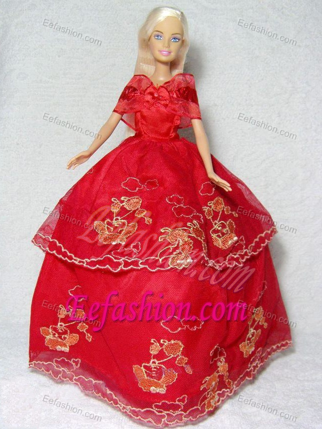 pretty red gown with embroidery dress for barbie doll