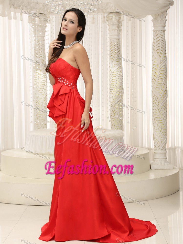 Slot Neckline Brush Train Red Ruched Celebrity Party Dress