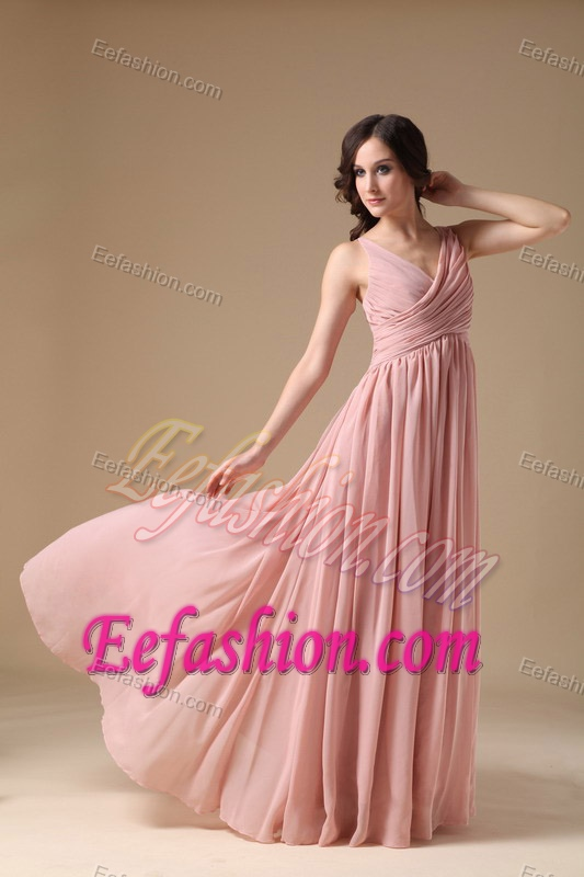 Inexpensive Peach Pink V-neck Long Evening Dresses with Ruching
