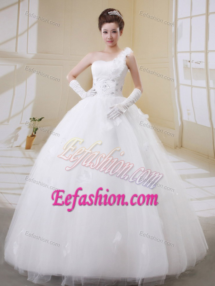 Modern Ball Gown One Shoulder Beaded Wedding Dress With Tulle On Promotion