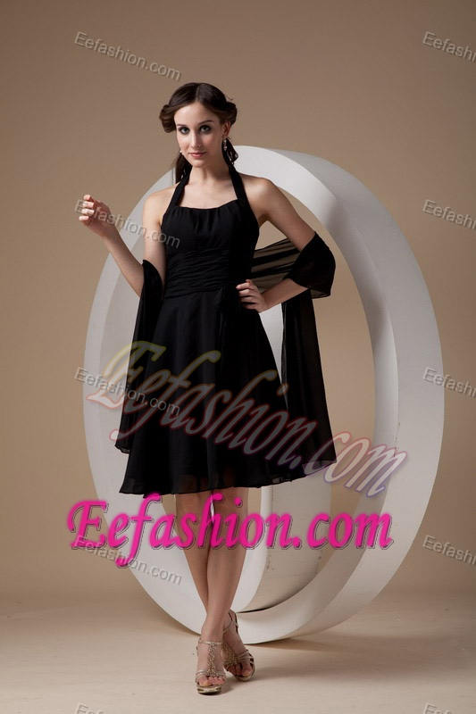 Chic Black Halter Top Knee-length Junior Bridesmaid Dresses with Ruching