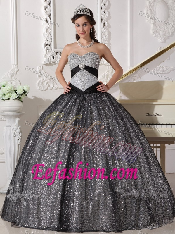 Popular Sweetheart Ball Gown Gray Sequin Quinceanera Dresses with Beading