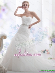 2015 Classic Sweetheart Wedding Dress with Beading