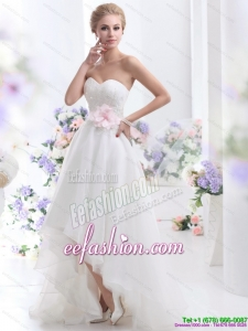 2015 Elegant Sweetheart High Low Beach Wedding Dress with Lace and Hand Made Flowers