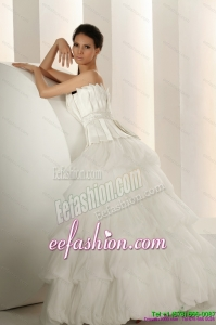 Popular Beaded Strapless White Gorgeous Wedding Dresses with Ruffled Layers