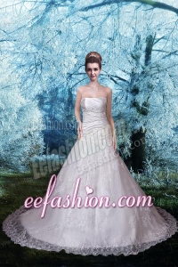 2015 Beautiful Strapless Chapel Train Lace Appliques Wedding Dresses