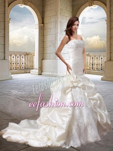 Luxurious Mermaid Wedding Dress with Lace and Hand Made Flowers
