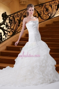 Mermaid Strapless Court Train Fashionable Wedding Dress with Appliques