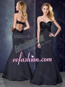 2016 Mermaid Sweetheart Backless Black Bridesmaid Dress in Satin