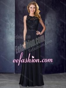 2016 Classical Column Scoop Criss Cross Applique Black Dama Dress
