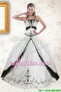 2015 Popular Embroidery Quinceanera Dresses in White and Black