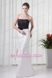White and Black Column Sweetheart Wedding Dress with Flower