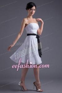 Elegant Empire Sash Knee-length White Chiffon Prom Dress with Strapless