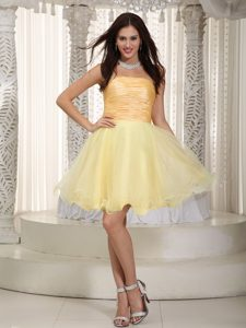 Light Yellow Princess Strapless Mini Celebrity Dresses with Ruching in Organza