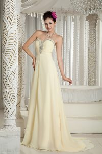 Light Yellow Sweetheart Brush Train Ruched Celebrity Party Dress with Beading