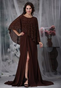 Sweetheart Ruching Chiffon Mother Dress with High Slit in Brown for Autumn
