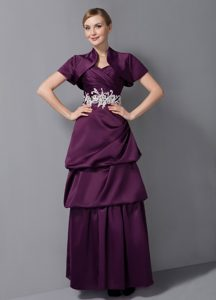 Dark Purple Ruching Prom Dress for Mother with Layers and White Appliques