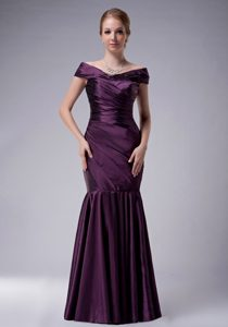 Mermaid Off The Shoulder Purple Dresses for Mother with Ruches in Taffeta