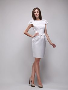 Chic Bateau Cap Knee-length White Mother of Bride Dress with Flowers