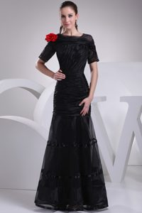 Bateau Short Sleeves Long Ruched Black Mother of Bride Dress with Red Flower