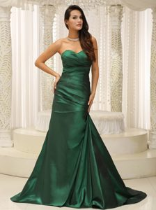 Dark Green Ruched Cheap Prom Gown Dress for Summer with Brush Train