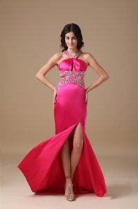 Coral Red V-neck Brush Train Cheap Prom Attires with Beading