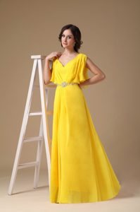 Perfect Custom Made Yellow Empire V-neck Prom Dresses with Beading