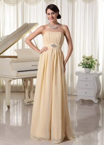Cheap Ruched and Beaded Chiffon Prom Dress for Summer in Champagne
