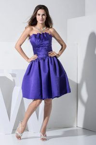 Purple Knee-length Prom Pageant Dresses with Ruches and Strapless in