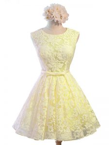 Knee Length Yellow Dama Dress for Quinceanera Scoop Sleeveless Lace Up