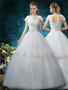 Tulle Scoop Short Sleeves Lace Up Embroidery Wedding Gowns in White