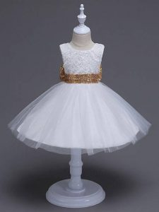 Sleeveless Tulle Knee Length Zipper Child Pageant Dress in White with Lace and Bowknot