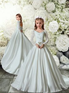 Stylish White Taffeta Clasp Handle Flower Girl Dresses Long Sleeves Brush Train Lace