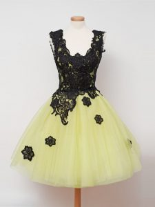 Yellow Ball Gowns Tulle Straps Sleeveless Lace Knee Length Zipper Bridesmaid Dress