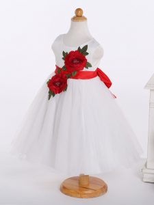Artistic White Tulle Zipper Scoop Sleeveless Knee Length Flower Girl Dresses Bowknot and Hand Made Flower