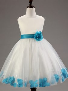 Superior White Ball Gowns Scoop Sleeveless Tulle Knee Length Zipper Appliques and Hand Made Flower Flower Girl Dresses