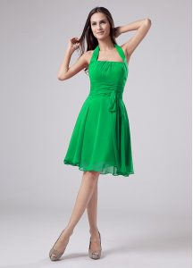 Green Short Sleeves Ruching Knee Length Mother Of The Bride Dress