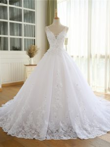 White Sleeveless Lace and Appliques Wedding Gown