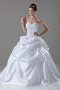Latest White Lace Up Sweetheart Embroidery and Pick Ups and Hand Made Flower Wedding Gown Taffeta Sleeveless Brush Train