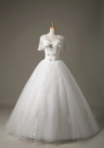 Edgy Floor Length Lace Up Wedding Dresses White for Beach with Beading and Appliques