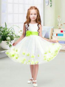 Artistic White A-line Scoop Sleeveless Tulle Knee Length Zipper Appliques and Belt Flower Girl Dresses