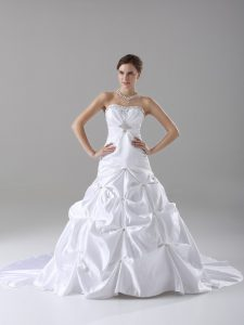 Affordable White Lace Up Strapless Beading and Pick Ups Wedding Gowns Taffeta Sleeveless Brush Train