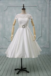 Eye-catching Scoop Short Sleeves Tulle Wedding Gown Lace and Sashes ribbons Clasp Handle