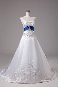 White Sleeveless Beading and Embroidery Lace Up Wedding Dresses
