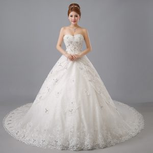 Sweetheart Sleeveless Chapel Train Lace Up Wedding Gowns White Tulle