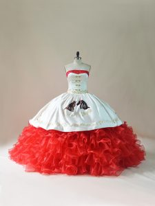 Vintage White And Red Ball Gowns Embroidery and Ruffles Sweet 16 Dress Lace Up Organza Sleeveless