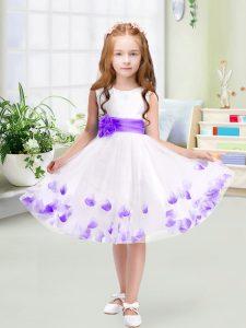 Sleeveless Tulle Knee Length Zipper Flower Girl Dress in White with Appliques and Belt