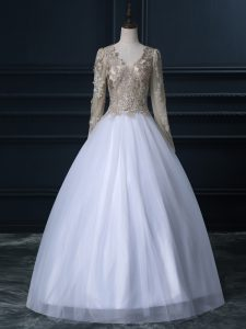 Delicate White Ball Gowns Tulle V-neck Long Sleeves Lace Floor Length Zipper Bridal Gown