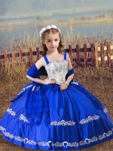 Beautiful Sleeveless Lace Up Floor Length Beading and Embroidery Little Girl Pageant Gowns