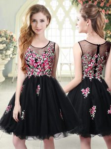 Sumptuous Black Scoop Zipper Embroidery Prom Dresses Sleeveless